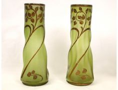 Paire de vases en pâte de verre émaillé, époque Art Nouveau, XIXe