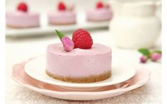 Mini Raw Raspberry Cheesecakes
