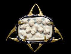 René Lalique - Nine Nympths Plaque Brooch. Gold and Enamel. Circa 1898.