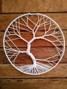DIY Tree of life wall hanging Macrame Wall Hanging Diy, Macrame Art, Macrame Projects, Craft Projects, Rope Crafts, Diy And Crafts, Arts And Crafts, Bijoux Wire Wrap, How To Make Trees