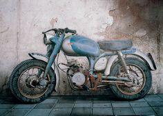 La motocicleta, 1985.  Cesar Galicia.
