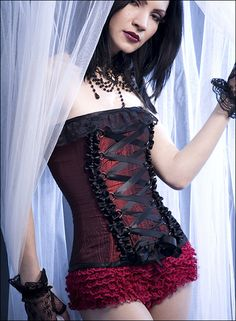 #sexy #pale #corset #gloves #hair #jewelry #makeup #lips