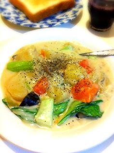 ホフホフんまい~ - 2件のもぐもぐ - 野菜たっぷりクリームシチュー by kikicyoko