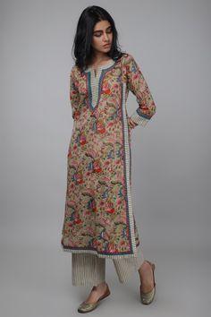 Simple Kurti Designs, Stylish Dress Designs, Designs For Dresses, Churidar Designs, Kurta Designs Women, Neck Designs For Suits, Dress Neck Designs, Kurta Patterns, Dress Patterns