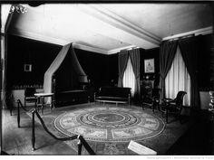 Malmaison : chambre de Napoléon 1er quand il était 1er consul : [photographie de presse] / Agence Meurisse Consul, La Malmaison, Empire, Curtains, Home Decor, Bedroom, Photography, Blinds, Decoration Home