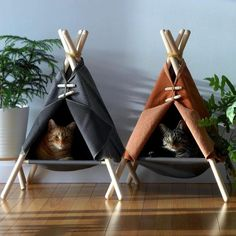 Handmade cat teepee or dog teepee Cat Bed Cat Teepee, Cat Tent, Diy Cat Hammock, Teepee Bed, I Love Cats, Crazy Cats, Cat Kennel, Cat Room, Pet Furniture