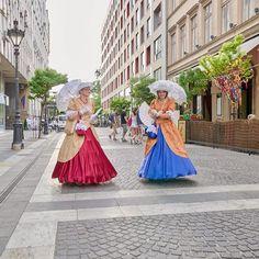 Leica, Aurora Sleeping Beauty, Photo And Video, Disney Princess, City, Disney Characters, Instagram, Cities, Disney Princesses