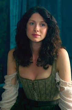 Claire (Caitriona Balfe) from Ep112 - just a great view of her corset