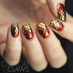 Wow.. Gradient glitter nails