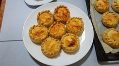 Empanadas de carne Samosas, Muffin, Breakfast, Food, Quiches, Mini, Youtube, Gastronomia, Recipes