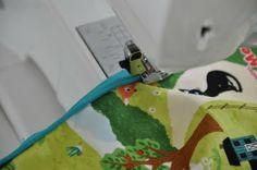 emma en mona: Maak eens zelf een dekentje