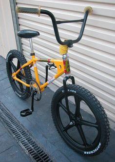 Mongoose Bmx Old School Mongoose Bike, Vintage Bmx Bikes, Bmx Cruiser, Power Bike, Downhill Bike, Push Bikes, Bmx Freestyle, Chopper Bike, Bmx Bicycle