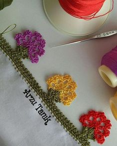 Good night It was very nice ! - Jewelry World Crochet Flowers, Crochet Lace, Crochet Designs, Crochet Patterns, Baby Boy Knitting Patterns, Crochet Pants, Crochet Bikini Pattern, Crochet Borders, Embroidered Clothes