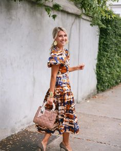 how to get big healthy ferns - Megan Stokes Fall Dresses, Fall Outfits, Summer Outfits, Cute Outfits, Fall Wedding, Wedding Season, Fall Jeans, City Chic, Fall Wardrobe
