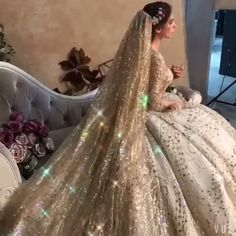 Luxury / Gorgeous Gold Wedding Dresses 2019 Ball Gown Square Neckline Glitter Tulle Beading Sequins Crystal Sleeve Backless Royal Train Luxury / Gorgeous Gold Wedding Dresses 2019 Ball Gown Square Neckline Glitter Tulle Beading Sequins Crystal Sleeve B. Gold Wedding Gowns, Princess Wedding Dresses, Dream Wedding Dresses, Bridal Dresses, Tulle Wedding, Queen Wedding Dress, Luxury Wedding Dress, Glitter Wedding, Ball Dresses