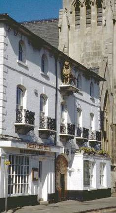 Golden Lion, Market Hill. Former coaching Inn situated in St Ives town centre close to the river.