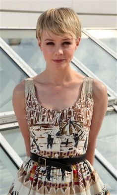 Carey Mulligan- love her dress