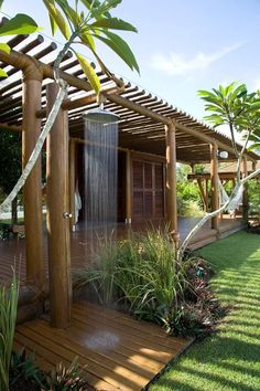 The wooden pergola is a good solution to add beauty to your garden. If you are not ready to spend thousands of dollars for building a cozy pergola then you may devise new strategies of trying out something different so that you can re Outdoor Baths, Outdoor Bathrooms, Outdoor Rooms, Outdoor Gardens, Outdoor Living, Outdoor Showers, Outdoor Kitchens, Outdoor Furniture, Design Exterior