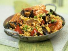 Meeresfrüchte-Paella ist ein Rezept mit frischen Zutaten aus der Kategorie Reis. Probieren Sie dieses und weitere Rezepte von EAT SMARTER!