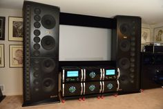 Home theater for the blind? I dont get the priority of sound over seeing. Home theater for the blind? I dont get the priority of sound over seeing. Audiophile Speakers, Hifi Audio, Audio Speakers, Home Theather, Wall Of Sound, Audio Room, Speaker Design, Sound & Vision, Home Entertainment