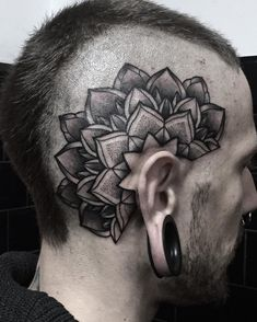 Head mandala tattoo Tattoo artist Miss Sita #misssita #misssitatattoo #oneoninetattoo #dotworktattoo #blackworkerssubmission #blackworkers #blxckink #darkartists #tattoolookbook #blacktattoomag #tattoofull #blacktattoo #blackwork #blackbotanists #onlythedarkest #blackflashwork #bcnttt