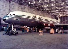 Commercial Plane, Commercial Aircraft, De Havilland Comet, Stol Aircraft, Aircraft Maintenance, Boeing 727, First World, Airplanes, Transportation