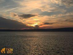 Çanakkale Boğazı Gelibolu - Lapseki vapurundan muhteşem günbatımı manzarası.