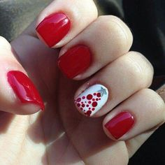Beautiful red and white tree Christmas nails #Christmasnails