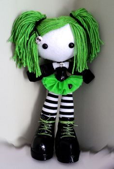 Lovely on amigurumi. Have to try.