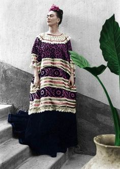 Matiz met with Frida Kahlo and many of her contemporaries, and turned to register with his camera a historical moment in which Mexico appeared at the top o. Diego Rivera, Frida E Diego, Frida Art, Look Fashion, Fashion Art, Vintage Fashion, Frida Kahlo Portraits, Sculpture Textile, World Cultures