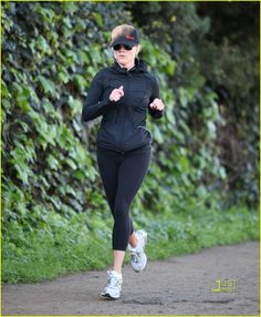 reese witherspoon jogging Love Games 43e4ef2770c
