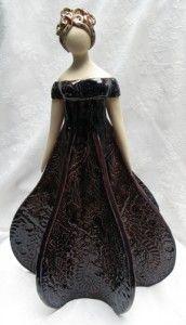 idelisa (7) Dame, Statue, People, Pottery Ideas, Inspiration, Dresses, Paint, Design, Decor