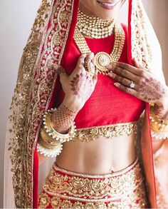 Indian bride outfit plus jewelry