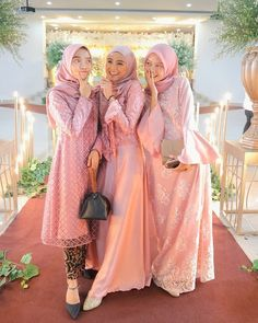 Kebaya Hijab, Kebaya Brokat, Kebaya Modern Dress, Hijab Fashion, Girl Fashion, Hijab Style Dress, Bridesmaid Inspiration, Wedding Hijab, Bridesmaid Dresses