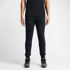 Nike Tech Fleece - S $100