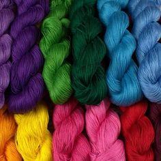 Cross Stitch Rose, Merino Wool Blanket, Folk Art, Knitting, Crochet, Crafts, Design, Goblin, Manualidades