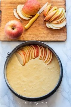 Quick and luscious apple pie! (Recipe in 5 minutes!)- Torta di mele veloce e golosissima ! (Ricetta in 5 minuti!) Add apples to the cake – Apple Pie Recipe - Apple Pie Recipes, Sweet Recipes, Cookie Recipes, Dessert Recipes, Pie Dessert, Torte Cake, Cakes And More, Italian Recipes, Food To Make