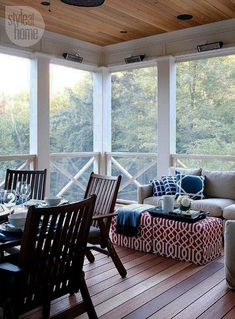 Decorating and Furniture Ideas for Screened Porch. Screened-in porch with cedar ceiling and floor. Via Style at Home. Metal Screen Doors, Wooden Screen Door, Porch Curtains, Porch Ceiling, Screened Porch Decorating, Screened In Porch, Ontario, Privacy Screen Outdoor, Blue Ceilings