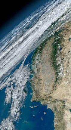 こっこれは美しい... NASAが史上最高の超高解像度「地球画像」を公開