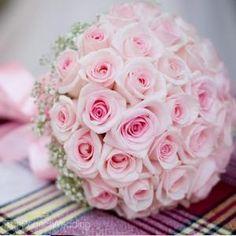 Rosas por arriba y brisita por debajo. Bodas en rosado y blanco - Buscar con Google