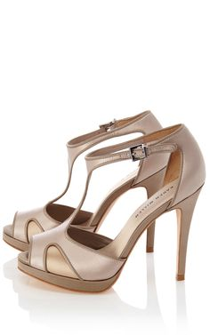 Right now here are the shoes I want to go with the dress...now to find an affordable version!