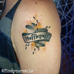 "but with baby badger instead of ""hufflepuff""? Harry Potter Tattoos, Harry Tattoos, Cute Tattoos, Small Tattoos, Tatoos, Crest Tattoo, Pride Tattoo, Hp Tattoo, Tiny Tattoo"