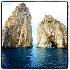 #faraglioni #capri spettacolo della natura... la leggenda narra che... profezie del capitano!! Sccccch è un segreto  Follow me www.primadonnastyle.net ♥
