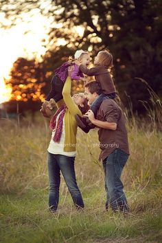 #roanoke #rke #swva #roanokeva @ExposureHeart Ashley Ramsey Photography / Family Photo Ideas