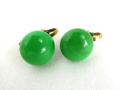 Green Button Earrings Vintage Hong Kong Clip-on Apple Green