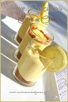 "Verrine speculoos creme au citron (lemon cream with speculoos cookie crumb crust (in a ""verrine"") Oreo Dessert, Dessert Recipes, Desserts In A Glass, Mini Desserts, Lemon Recipes, Sweet Recipes, Oreo Brownies, Thermomix Desserts, Perfect Cookie"