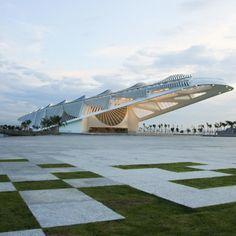 Museu do Amanhã por Santiago Calatrava. Fotografía @ Bernard Miranda Lessa. Señala encima de la imagen para verla más grande.