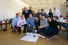 Fachlich qualifiziert und menschlich hervorragend. MBA-Studium der Uni Würzburg vermittelt Management- und soziale Kompetenzen. Teamarbeit wird beim MBA-Studium der Universität Würzburg großgeschrieben. Foto: djd/www.mba-wuerzburg.de