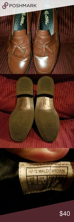 Hush puppies hpo2 flex loafers Looks to be brand new . Loafers brown hpo2 flex . These shoes are very comfortable Hush Puppies Shoes Loafers & Slip-Ons