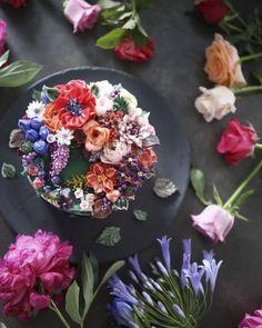 No te pierdas estas maravillosas tartas con flores que son toda verdaderas obras de arte. ¡Nos encantan!